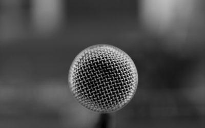 Cechy dobrego konferansjera – 5 podstawowych wymogów